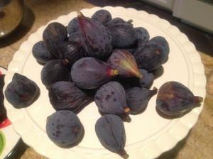 Figs on platter