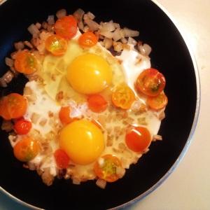 Tuscan Tomato & Egg Skillet