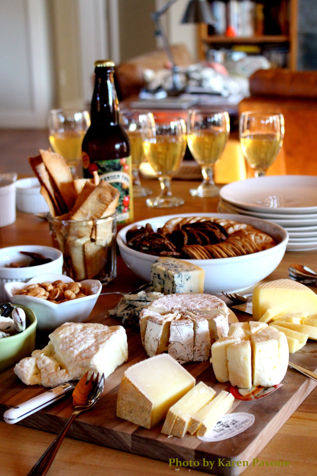 Holiday Entertaining: The Ultimate Cheese Platter